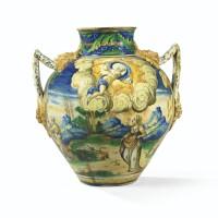 4. vase ovoïde en majolique de venise du xvième siècle, vers 1560-80, de l'atelier de maestro domenico