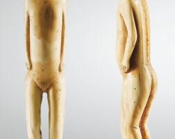 36. statuette en ivoire marin,eskimo, alaska, ca. 1800