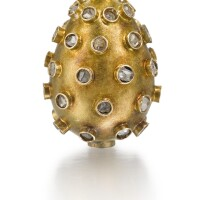 303. a jewelled gold egg pendant, st petersburg, 1904-1908