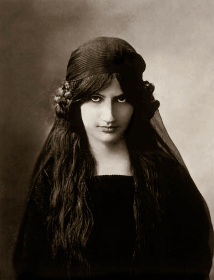 Jeanne Hebuterne (1898-1920) wife and muse of Amedeo Modigliani, here young c. 1916