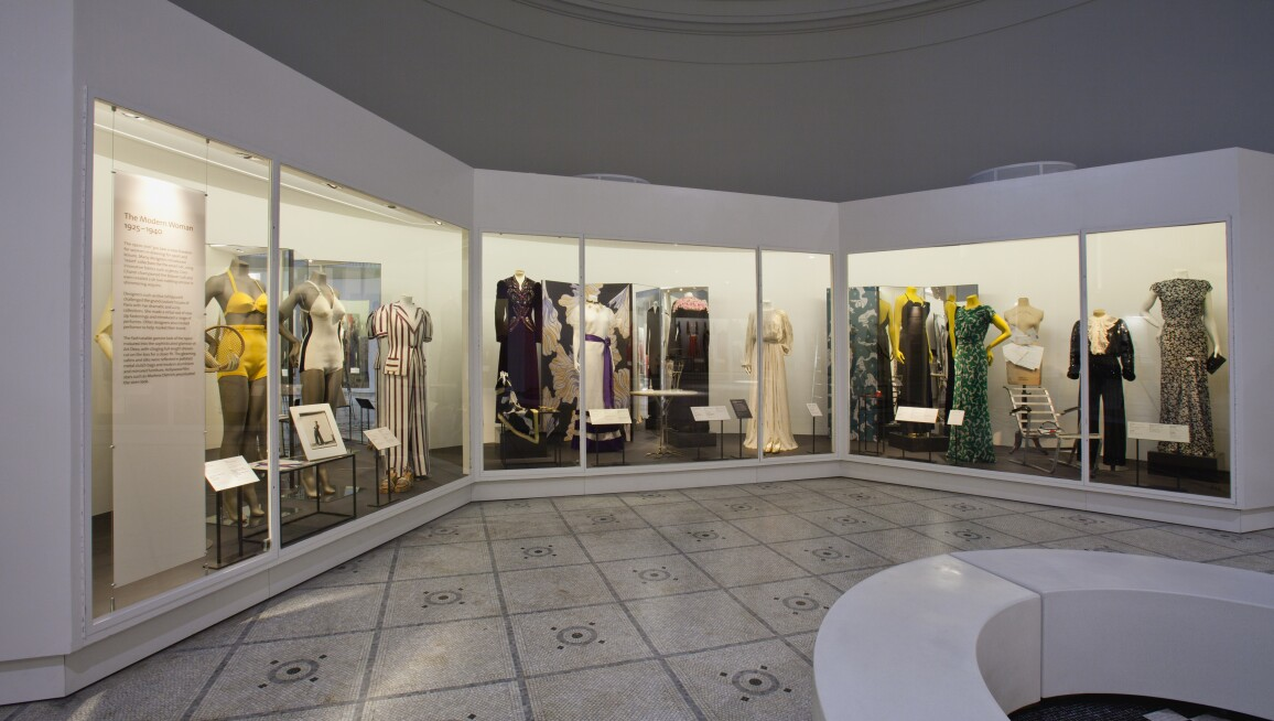V&A Fashion Gallery