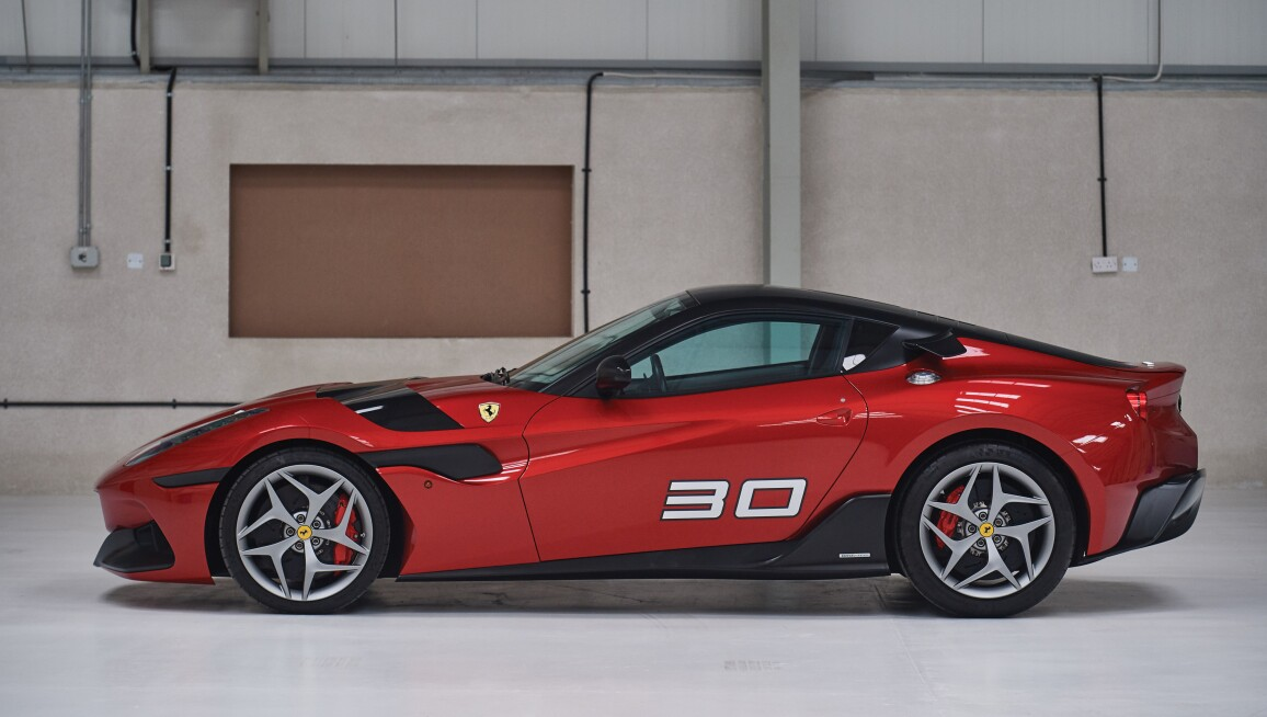 2011-Ferrari-SP30_4.jpg