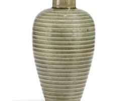 3. vase en grès céladon type longquan, meiping dynastie des song du sud |