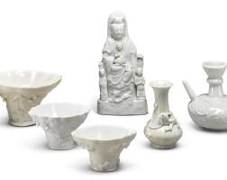 1060. 宋 / 元至十九世紀 白釉瓷一組  
