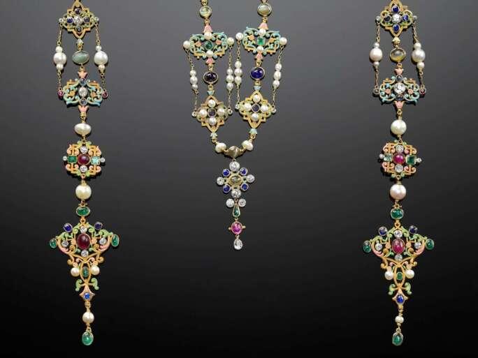 Renaissance revival neck ornament