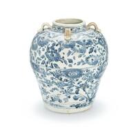338. 或越南十五世紀 青花花卉紋四繫大罐  