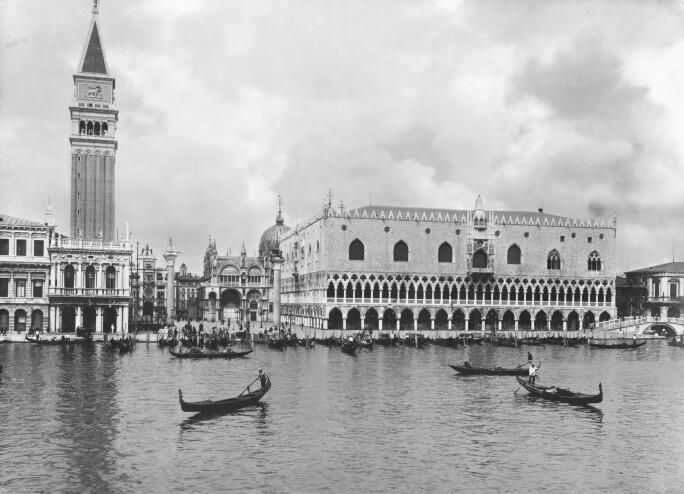 Venice, Doge's Palace / Photo c. 1895