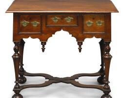 6034. very fine and rare william and mary walnut dressing table, philadelphia, circa 1715