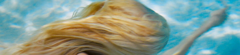 michael-dweck-mermaid-underwater.jpg