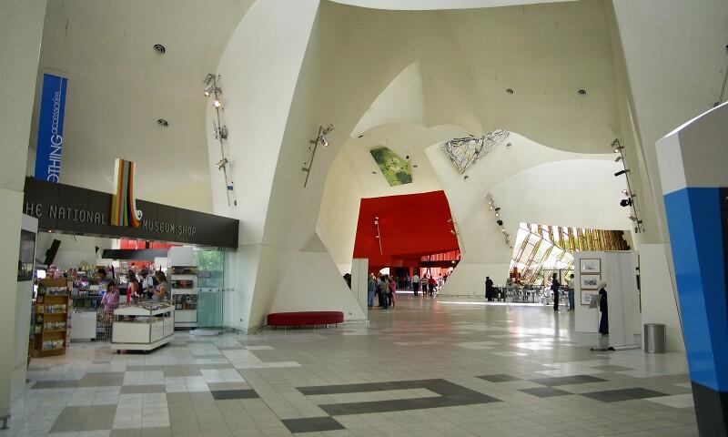 Interior_of_the_National_Museum_of_Australia.jpg