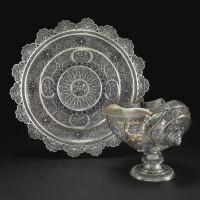 11. 螺殼酒杯配銀胎局部鎏金絲細工及天青石 中國或蘇門答臘, 約1680-1720年 |