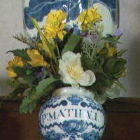 541. london delftware blue and white small dry drug jar first half 18th century