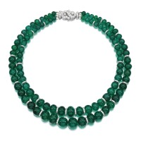 373. emerald and diamond necklace