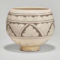 507. a rare 'cizhou' white-glazed sgraffiato deep bowl northern song / jin dynasty |