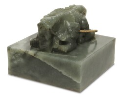 185. a jade 'feng san wu si zhi bao' seal 19th / early 20th century