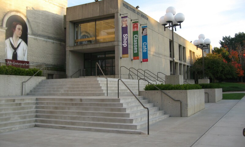Facade of the Worcester Art Museum.jpg