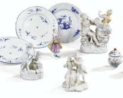 52. ensemble de porcelaines tendres du xviiie siècle
