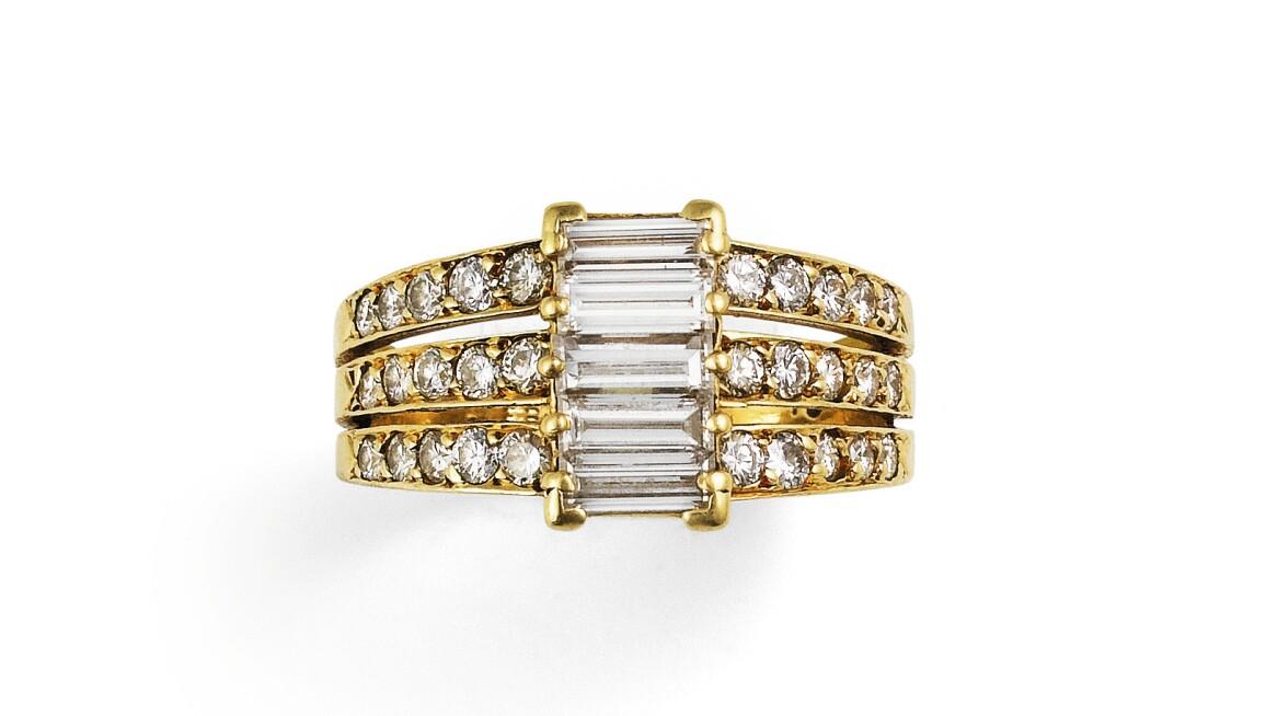 paris-jewels-10-under-5-PF1980_B7F4Z_01.jpg