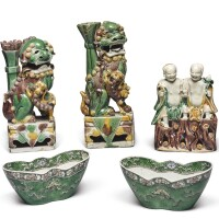 1048. six famille-verte objects qing dynasty, kangxi period - 19th century |
