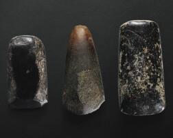 76. trois burins en pierre période néolithique