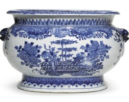 5. a blue and white oval cistern qing dynasty, qianlong period |