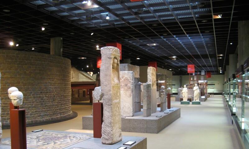 Romano-GermanicMuseum_Interior_Cologne.jpg