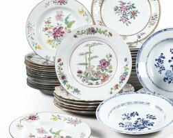 45. ensemble d'assiettes en porcelaine de la famille rose de lacompagnie des indes chine, dynastie qing, xviiie siècle