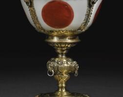 3. 明嘉靖瓷盌鑲十六世紀末銀胎局部鎏金酒杯,英國或歐洲大陸, 約1580-1585年 |