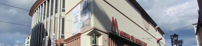 Corner view of the Museum für Moderne Kunst