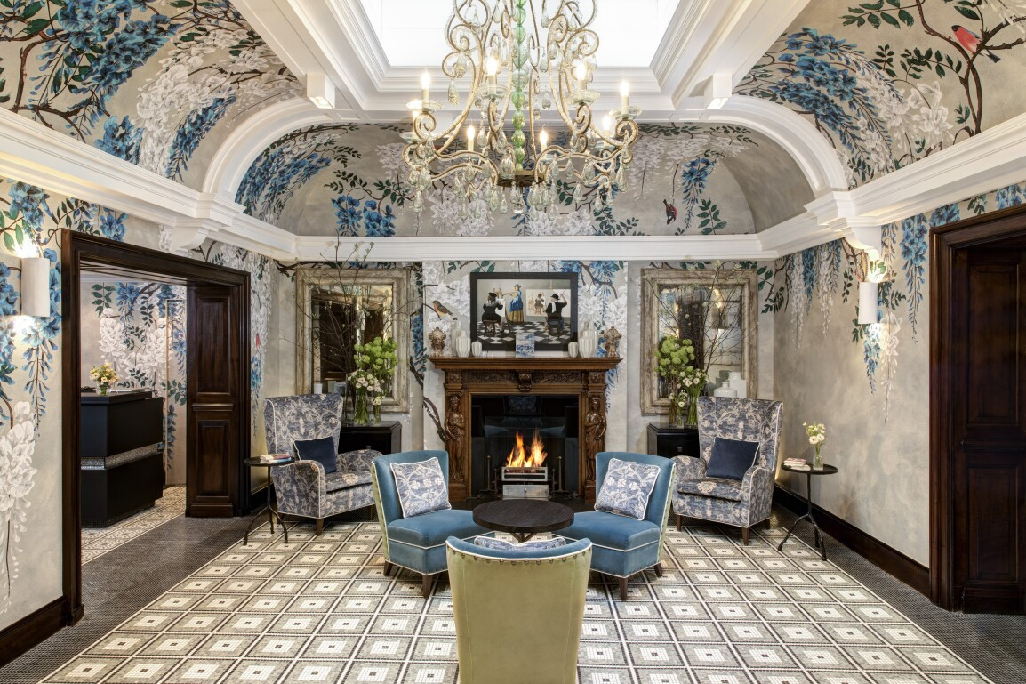 browns-hotel-rocco-forte-front-hall.JPG