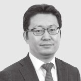 Steven Zuo Classical Chinese Paintings Head of Department
