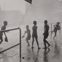 3. 邱良 | 喜雨(深水埗青山道,1963)