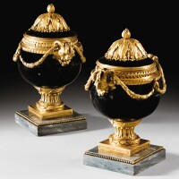 6. a pair of gilt-bronze mounted black lacquered pots-pourris, french restauration, circa 1825-1830,after the modelmade under the direction ofthemarchand-mercier jean dulac |