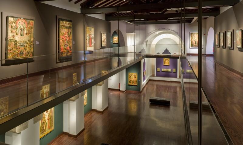 The_Museum_of_Russian_Art_Mezzanine_and_Main_Gallery.jpg