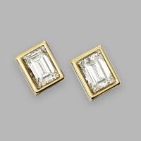 470. pair of 14 karat gold and diamond earclips