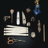 186. ensemble de 13 objets de vitrine, fin du xviiie - xixe siècle