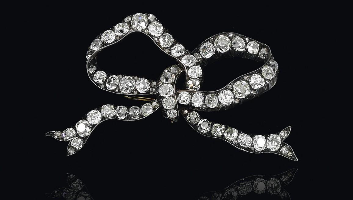 Bourbon Parma diamond bow brooch