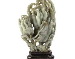 6. vase en jade céladon et rouille dynastie qing, xviiie siècle |
