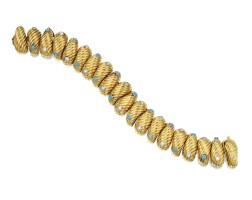 15. 22 karat gold, diamond and turquoise bracelet