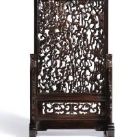 3602. 清十八 / 十九世紀 木透雕樹幹紋插屏