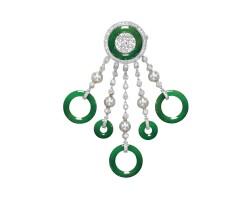 9040. 天然翡翠環配鑽石及養殖珍珠別針