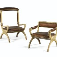 2. deux fauteuils à transformation formant paire en bois mouluré laqué gris de la fin de l'époque louis xv, vers 1770