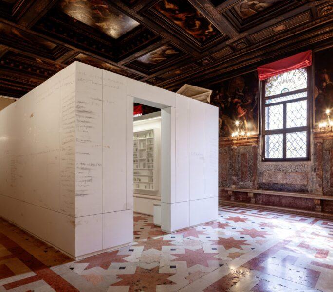 Edmund de Waal, The Library of Exile Venice