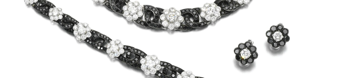 Diamond Parure Graff necklace, bracelet and earrings in an auction selling fine jewels