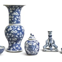 1009. a group of five chinese blue and white wares, 19th - 20th century |