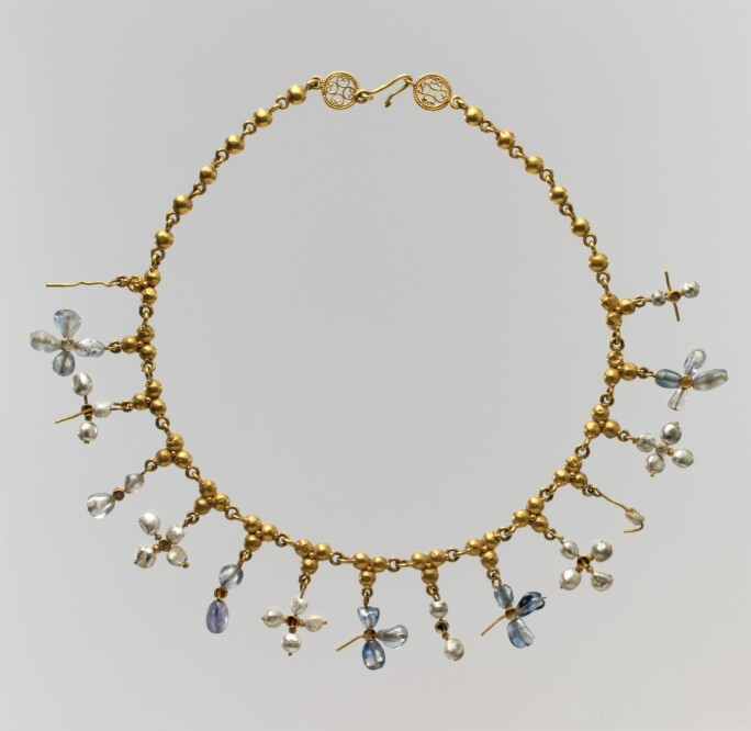 A byzantine necklace with gold and pearls.