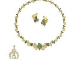 9012. group of jewellery