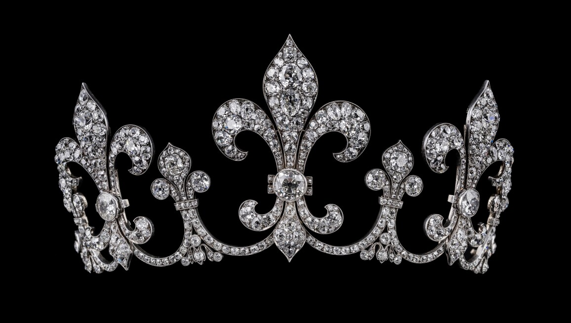 Diamond tiara from the Bourbon Parma Collection.jpg