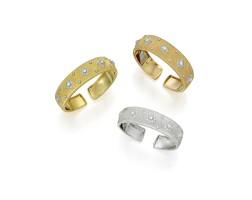 102. 黃金鑲鑽石手鐲三件, buccellati