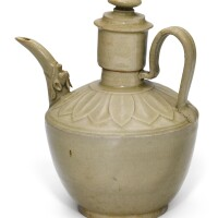 307. a yue celadon ewer and cover five dynasties |